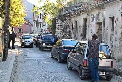 Van carries voters to Bitola's neighborhood  Bair