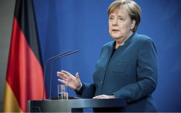 Merkel has talked to Borissov, expects solution in near future